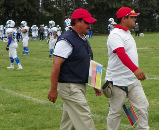 El staff de coacheo de la UMAD prepara la estrategia para recibir a Toluca