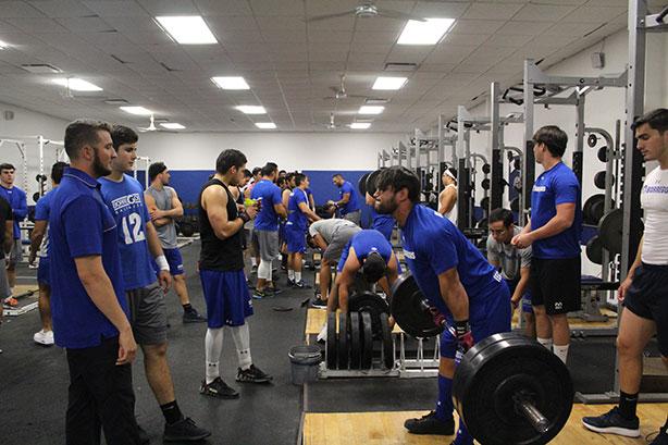 Borregos Monterrey intensifica su trabajo en gimnasio