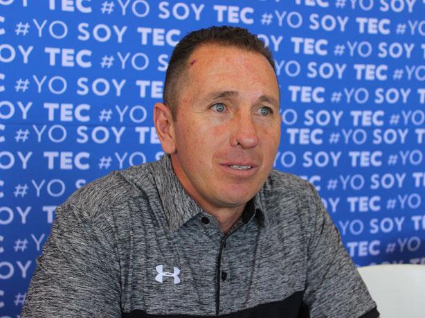 El HC Horacio García durante la presentación de los Borregos Toluca
