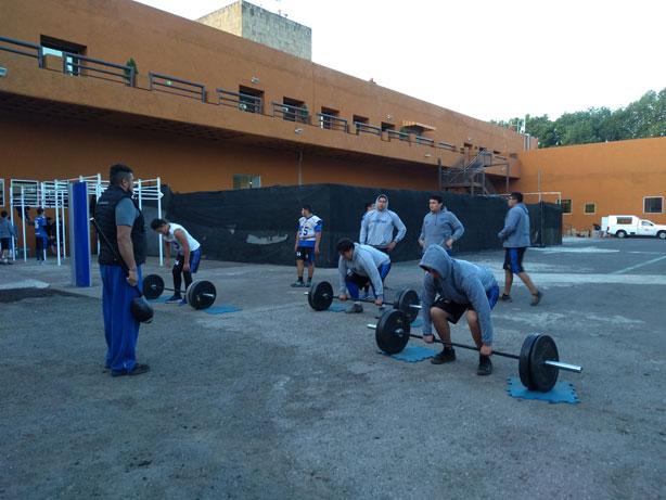 Borregos CCM entrenando la parte del gimnasio